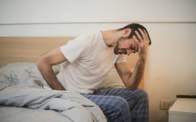 Russi mentre dormi? Scopri il miglior sistema letto e le posizioni ideali per riposarti